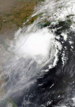 Cyclone Mahasen hits bangladesh