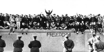 berlin wall thesis paper