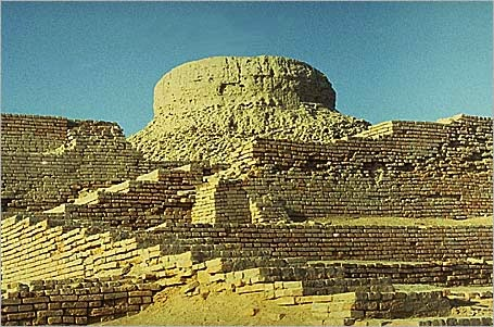 Essay on Mohenjo-daro and Harappa