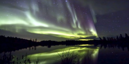 Cracks Are Opening in Earth's Magnetic Field - Solar Storms Are Underway Geomagnetic-Storm00