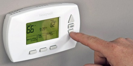 about thermostat assignment pointit is a \u201cclosed loop\u201d control device, as it seeks to reduce the error between the desired and measured temperatures sometimes a thermostat combines both