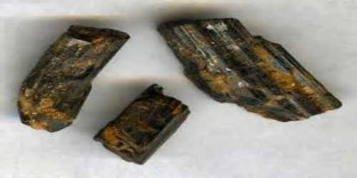 Agrinierite: Physical and Chemical Properties