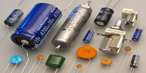 Electronic Capacitors and its Types