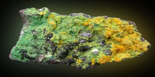 Carnotite: Properties and Ocurrences