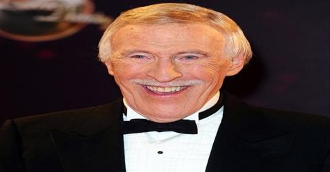 Biography of Bruce Forsyth
