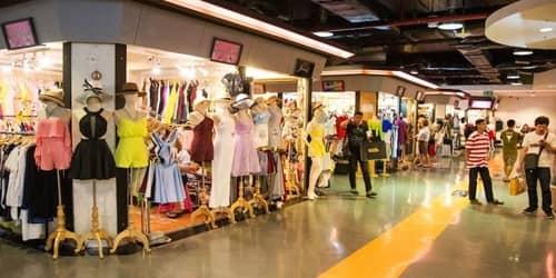 Visit a Shopping Complex
