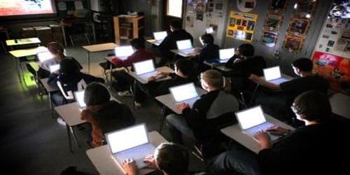 Each Student should own a Computer – An Argumentative Speech
