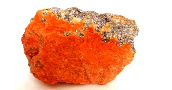 Molybdite: properties and occurrences