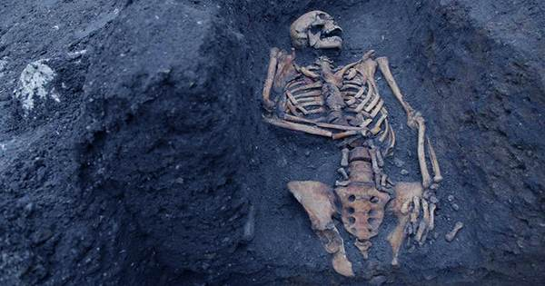 Ancient Skeleton with a Golden Tongue Unearthed In Egypt