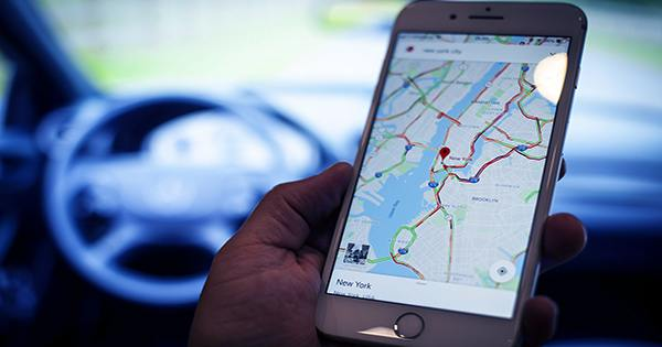 Apple Maps to gain Waze-like features for reporting accidents, hazards, and speed traps