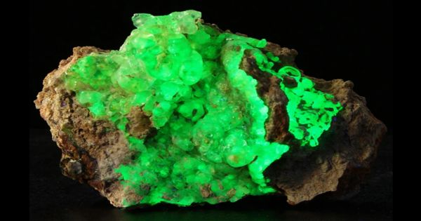 Hyalite – a form of opal