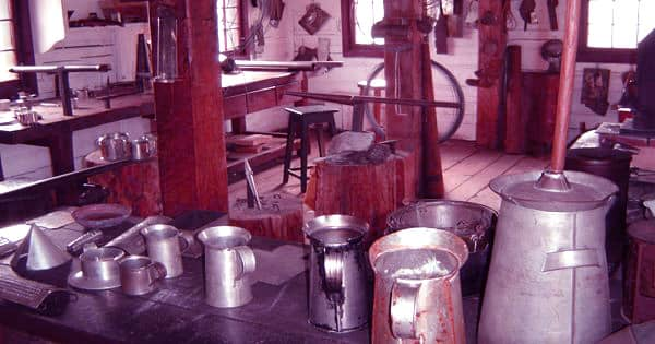 Tinsmith – a person who deals in tinware