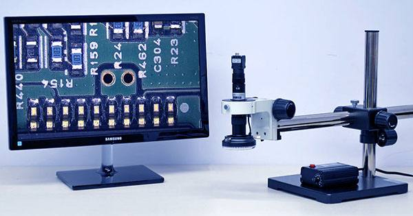 This Digital Microscope With 200x Zoom Takes Photos & Videos