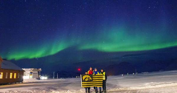 Brand New Type of Disappearing Aurora Discovered in 19-Year-Old Video