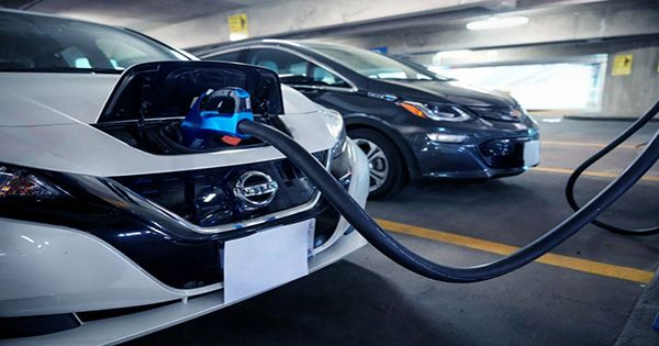 Electric Vehicles to Be As Cheap As Fossil Fuel-Powered Vehicles by 2027, Says Report