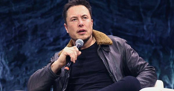 Elon Musk Announces He Has Asperger's While Hosting Saturday Night Live