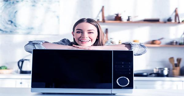 YouTuber Discovers the Bizarre Early Use of Microwave Ovens