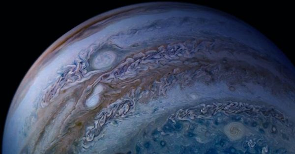 Fly with Juno from Ganymede to Jupiter in Breathtaking Animation