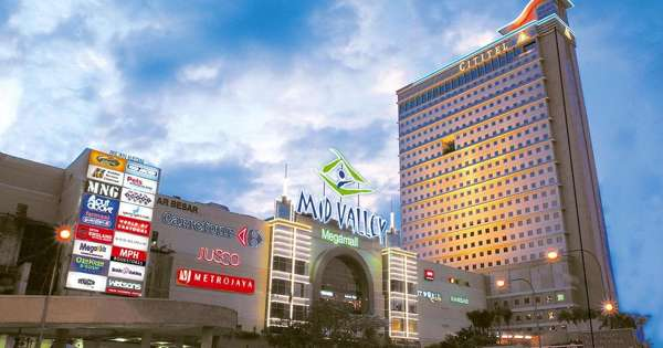 Mid Valley Megamall – a Big and Well-known Shopping Complex