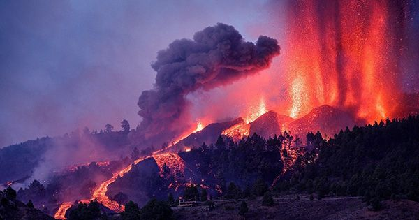 5,000 People Evacuated as Lava from La Palma Volcano Eruption Destroys Homes
